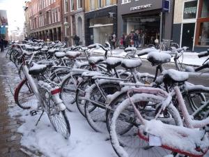 Խրոնինգենի մի սովորական փողոց ձմռանը